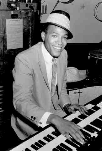 Marvin Gaye On The Keyboards